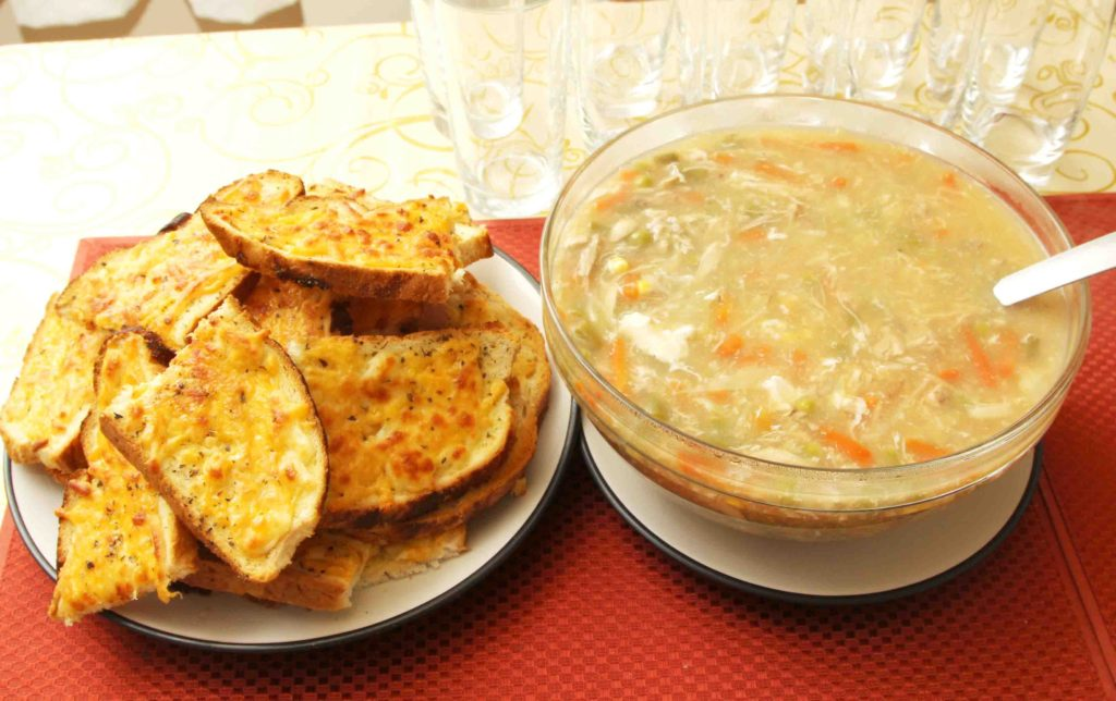 cheesey-toasts-with-soup